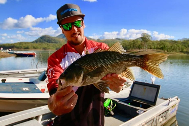 bass electric fishing maroon dam